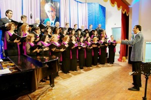 Conductor Ghazelian leading Cairo's Arax Armenian Choir commemorating Khachaturian's 110th anniversary of his birth