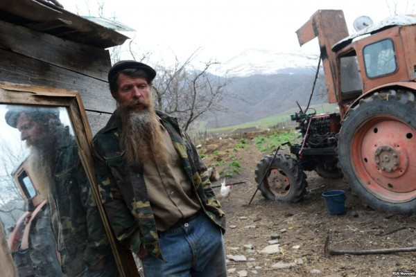 Molokan communities survive today in Russia, Azerbaijan, Armenia, Ukraine, and Kazakhstan. Smaller groups of immigrants have settled in the western United States.